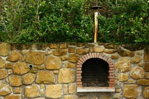 Création d'un barbecue extérieur en pierre